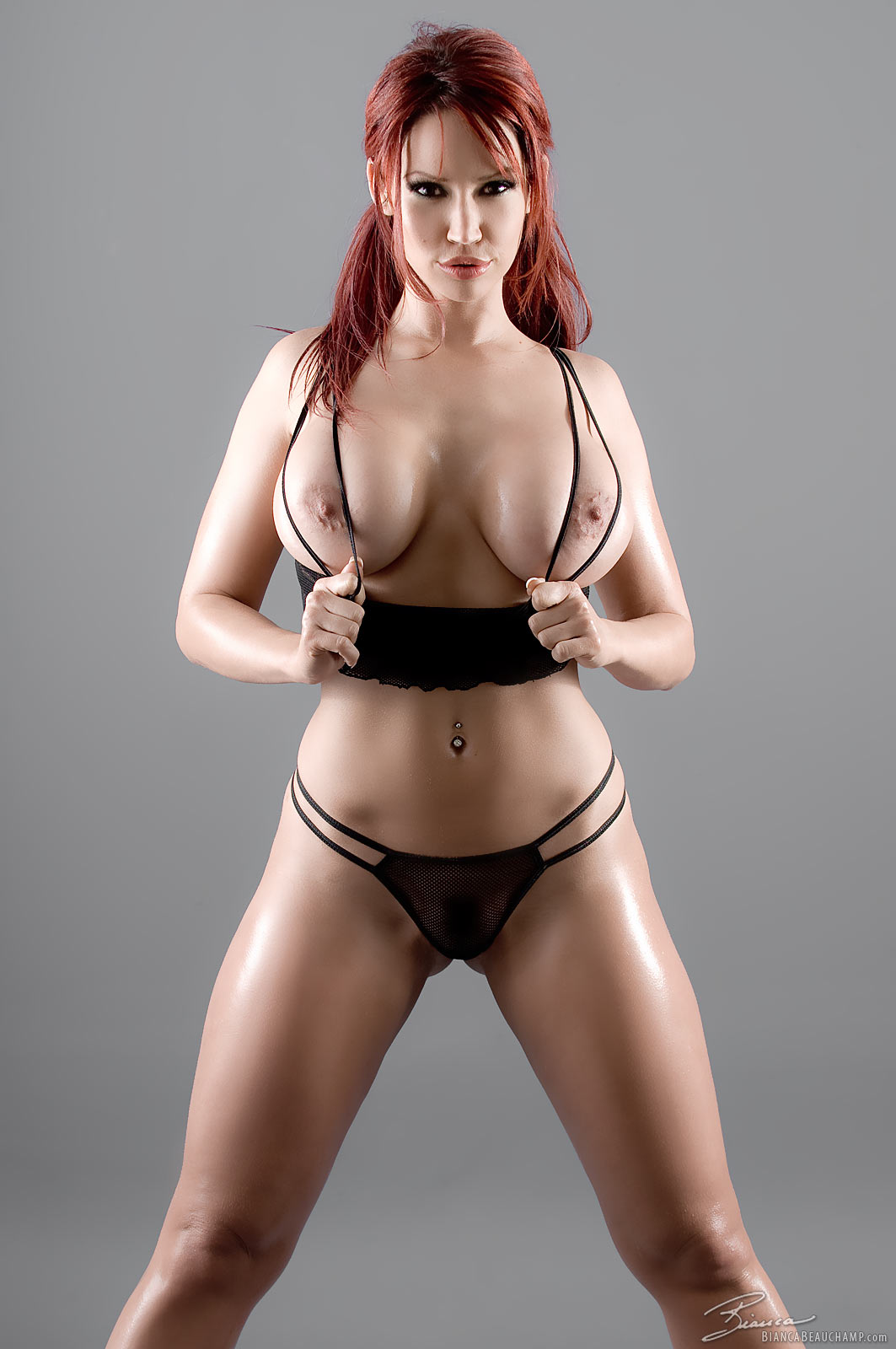 Bianca beauchamp on all fours